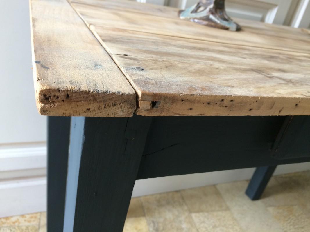 table basse ligne pur e patine noire plateau brut belette en compagnie. Black Bedroom Furniture Sets. Home Design Ideas
