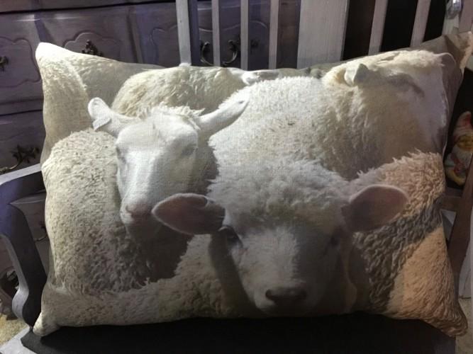 """Coussin lin ancien """"les moutons"""""""