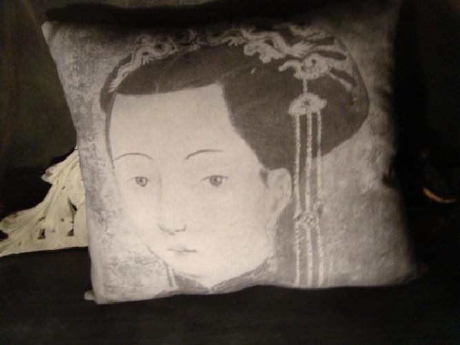 Coussin lin ancien portrait féminin époque Ming