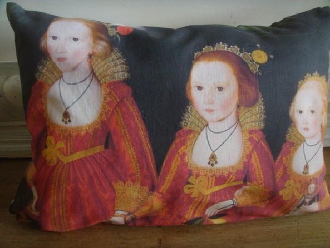 """Gros coussin lin ancien esprit baroque """"3 jeunes enfants"""""""